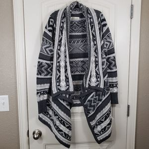 Old Navy Gray & White Thick Knit Cardigan